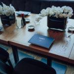 stół przygotowany dla medere