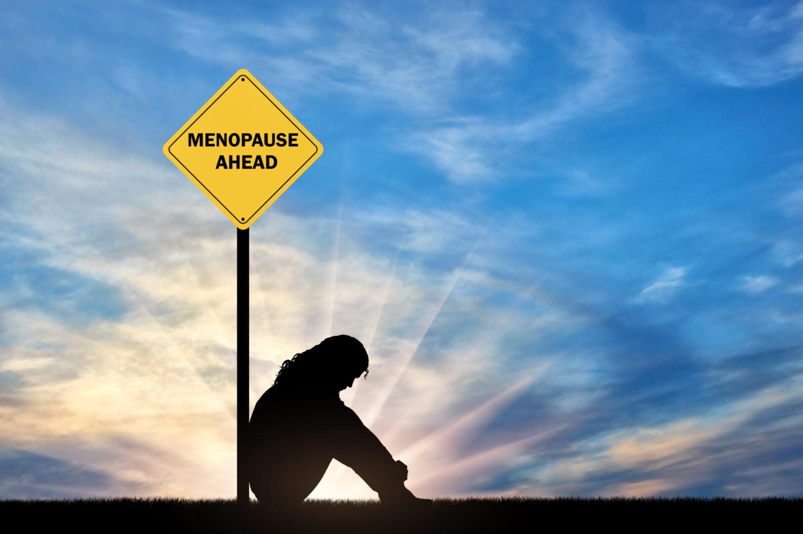 osoba oparta o znak menopauza a emocje