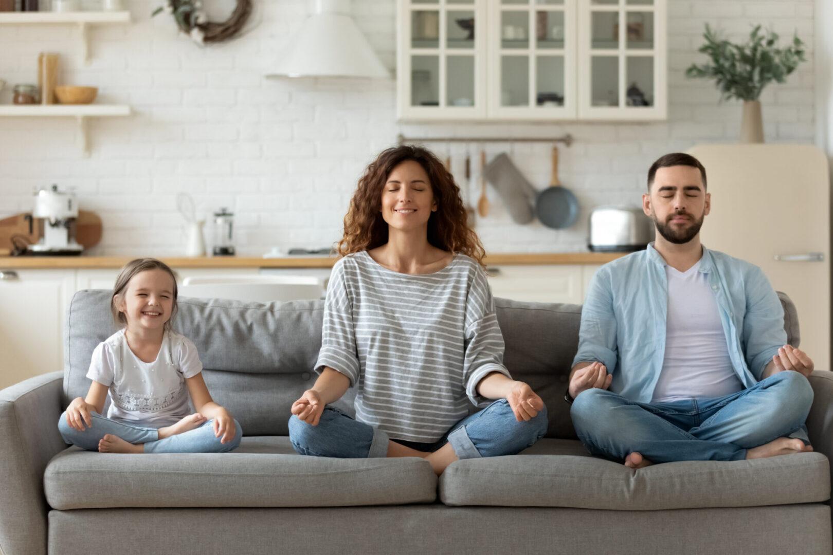 medytująca rodzina
